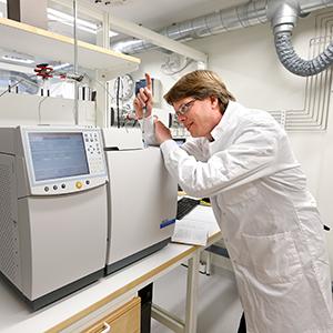 Microbial-Analytics-1_300px